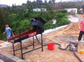 Patable Movable Gold Sluice with Submerged Pump for New Gold Mine Site Test